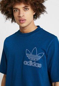 adidas Originals - OUTLINE TEE - T-shirt imprimé - legmar - 4