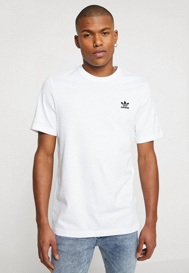 ADICOLOR ESSENTIAL TEE - T-shirt con stampa - white