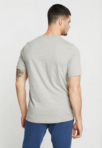 adidas Originals - ADICOLOR ESSENTIAL TEE - T-shirt print - grey - 2