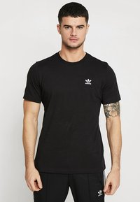 adidas Originals - ADICOLOR ESSENTIAL TEE - T-shirt z nadrukiem - black - 0