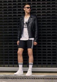 adidas Originals - TREFOIL TANK - Linne - white - 3