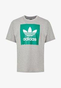 adidas Originals - SOLID - T-Shirt print - mottled grey/green - 3