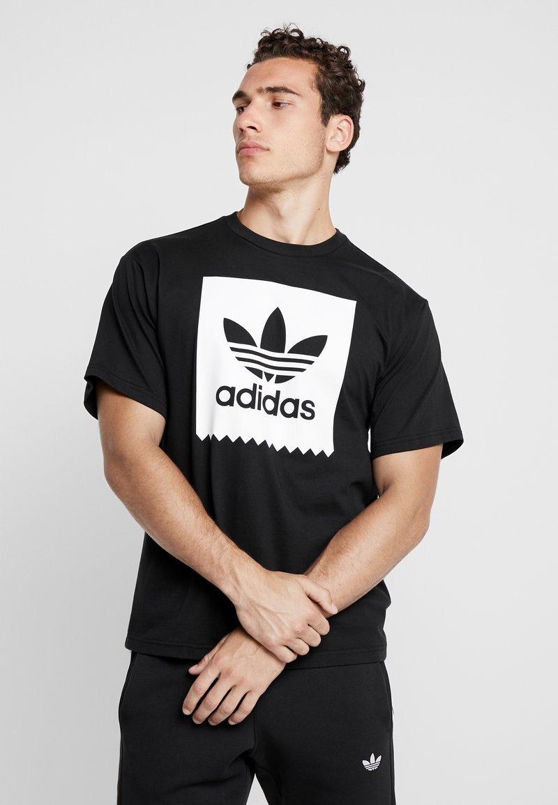 adidas Originals - SOLID - Camiseta estampada - black/white