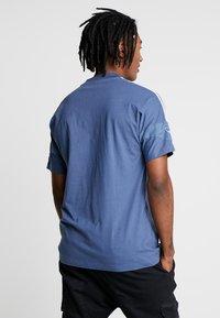 adidas Originals - TEE - Print T-shirt - tech ink - 2