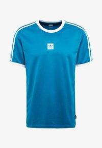 adidas Originals - CLUB - T-shirt med print - active teal/white - 4