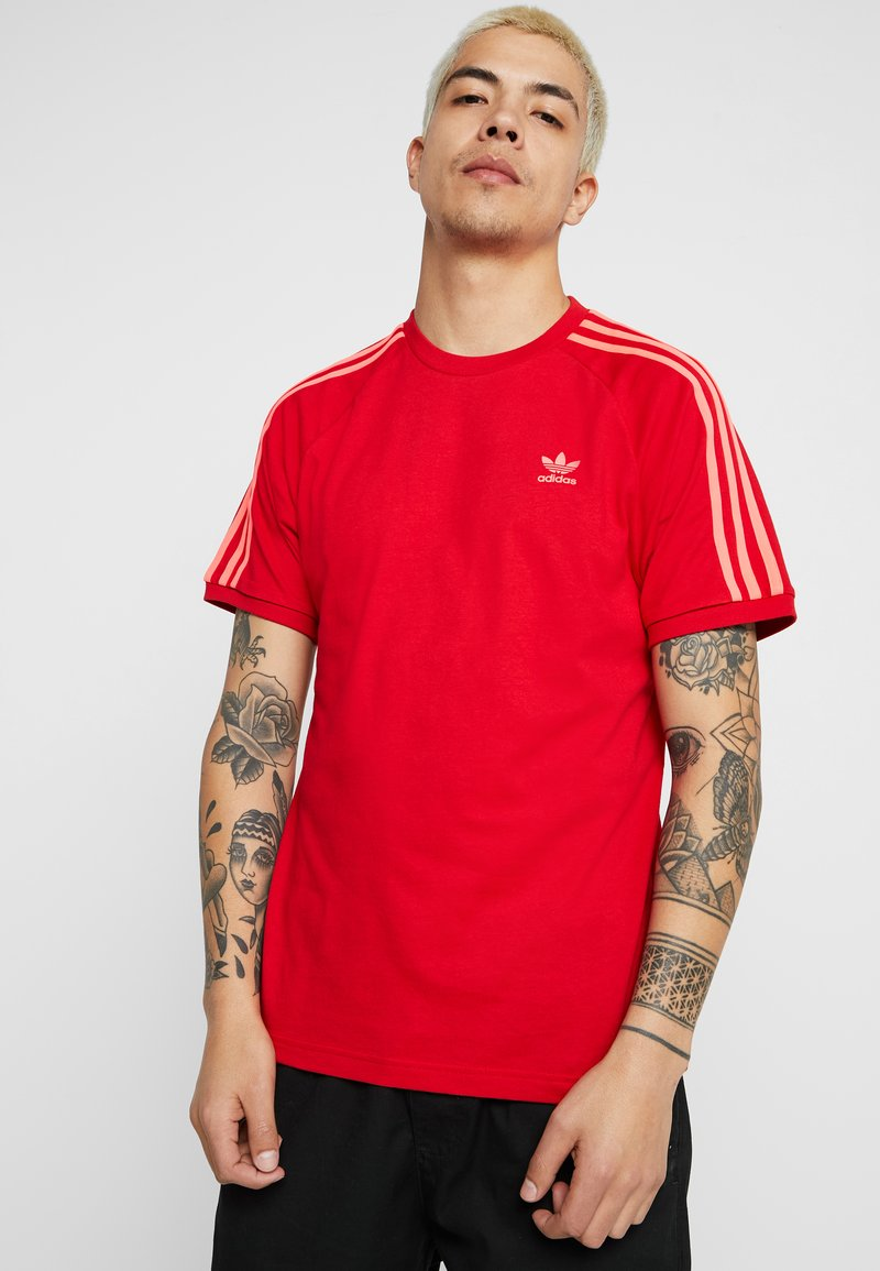 adidas Originals - ADICOLOR 3 STRIPES TEE - T-shirt imprimé - red