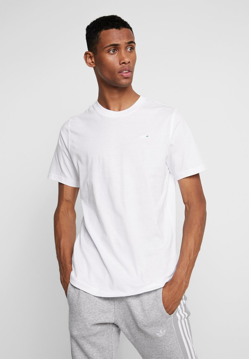 adidas Originals - MINI TEE - T-shirts - white
