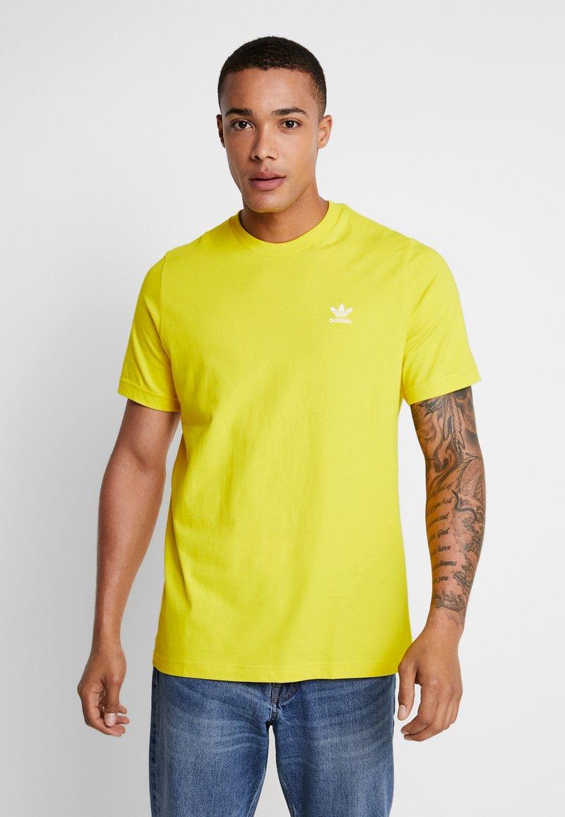 adidas Originals - ADICOLOR ESSENTIAL TEE - T-shirt print - yellow