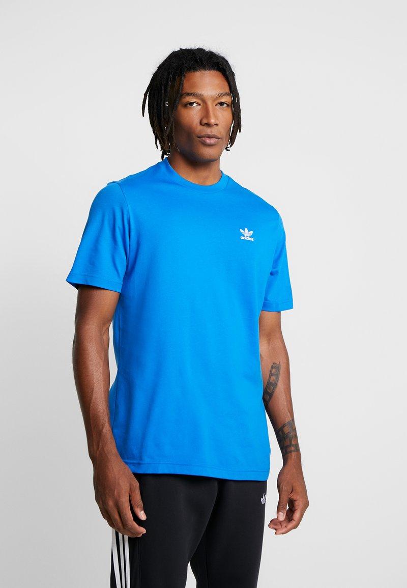 adidas Originals - ADICOLOR ESSENTIAL TEE - T-shirt imprimé - bluebird