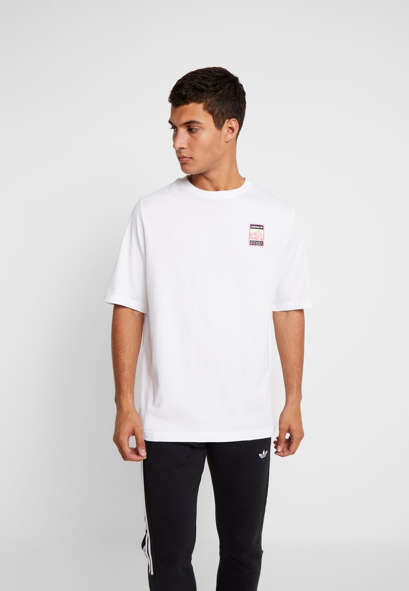 adidas Originals - STREETSTYLE GRAPHIC TEE - T-shirts med print - white