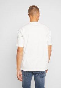 adidas Originals - REVEAL YOUR VOICE TEE - T-shirt print - core white - 2