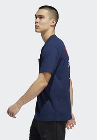 adidas Originals - POCKET T-SHIRT - T-shirt print - blue - 2