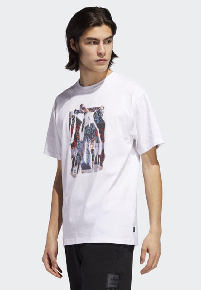 Adidas T Originals White shirtImprimé Photo Media Nw0vm8n