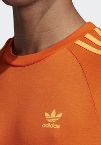 adidas Originals - 3-STRIPES T-SHIRT - T-shirts print - orange