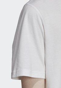 adidas Originals - BODEGA POSTER T-SHIRT - T-shirt imprimé - white - 6