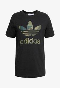 adidas Originals - CAMO INFILL TEE - T-shirt imprimé - black - 3