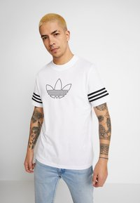 adidas Originals - OUTLINE TEE - Print T-shirt - white