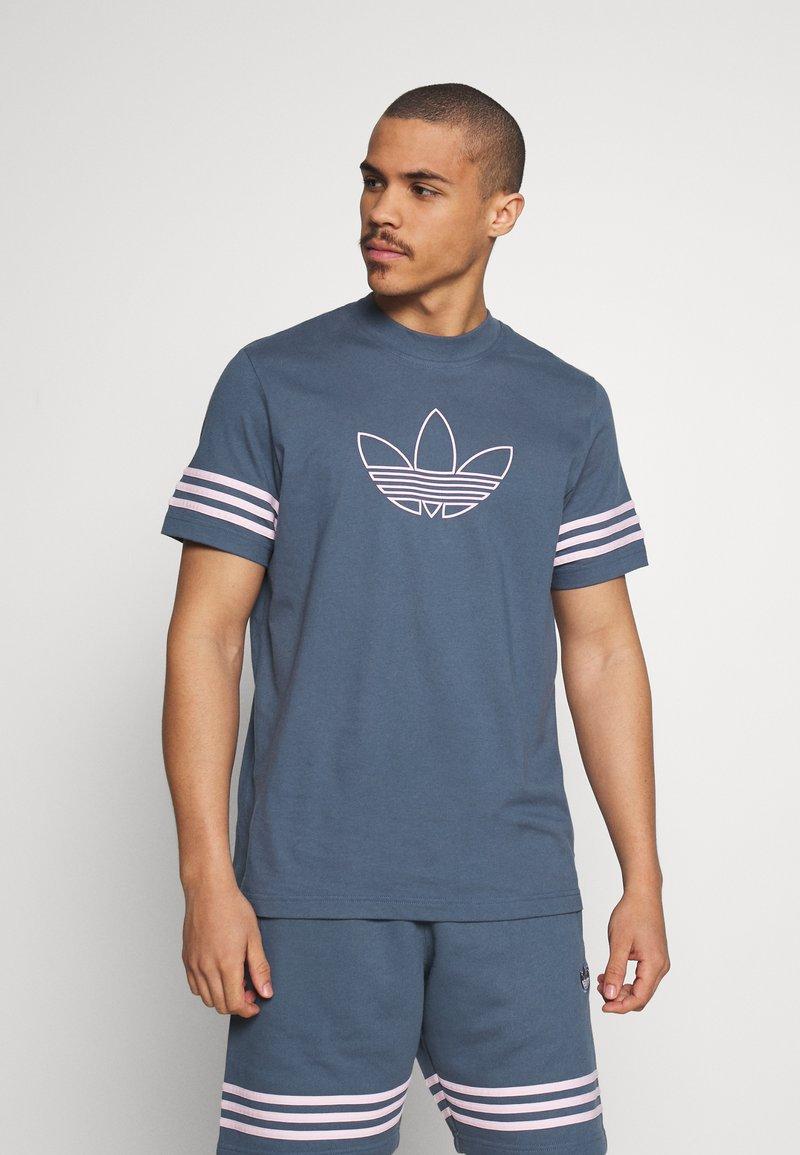 adidas Originals - OUTLINE TEE - Camiseta estampada - dark blue