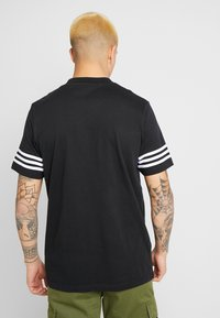 adidas Originals - OUTLINE TEE - T-shirt con stampa - black - 2