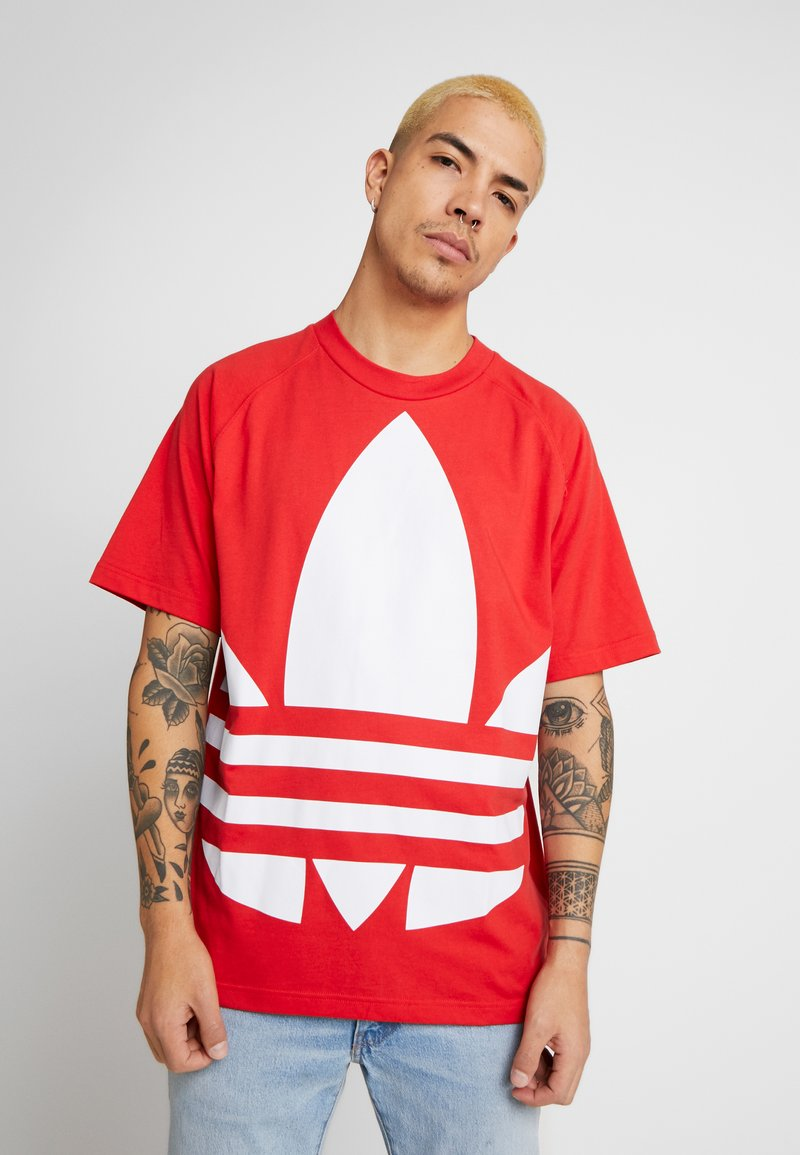 adidas Originals - TREFOIL TEE - Camiseta estampada - lush red