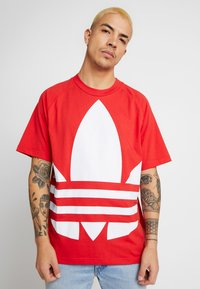 adidas Originals - TREFOIL TEE - Camiseta estampada - lush red - 3