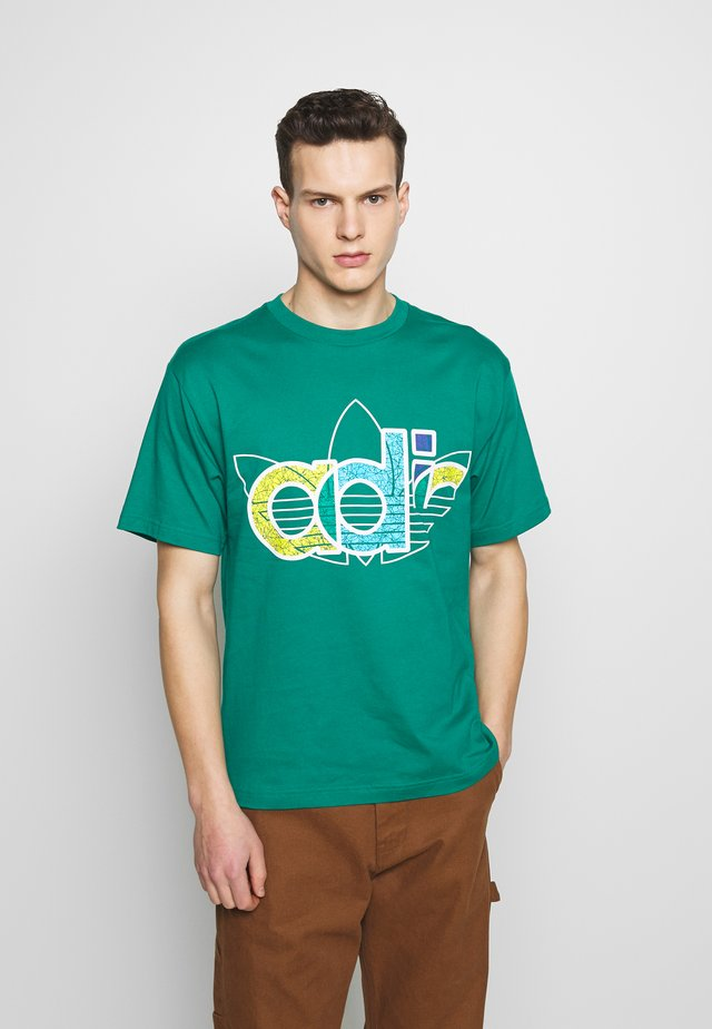 TREF TEE - Camiseta estampada - green