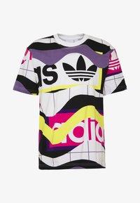 adidas Originals - CATALOG TEE - Camiseta estampada - white - 4