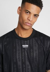 adidas Originals - T-shirt con stampa - black - 3