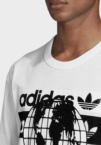 adidas Originals - R.Y.V. MESSAGE T-SHIRT - T-shirt imprimé - white - 3