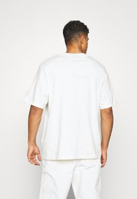 adidas Originals - PASTEL SHORT SLEEVE TEE - T-shirt z nadrukiem - owhite - 2