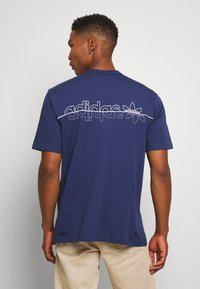 adidas Originals - TEE - Camiseta estampada - blue - 2
