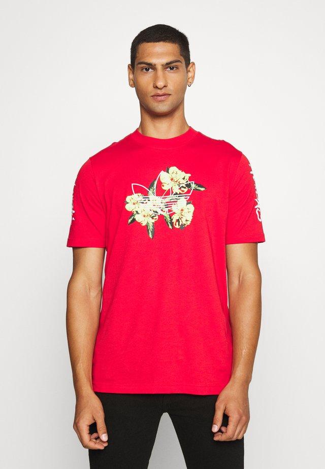 TEE - T-shirt z nadrukiem - lusred