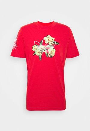 TEE - Print T-shirt - lusred