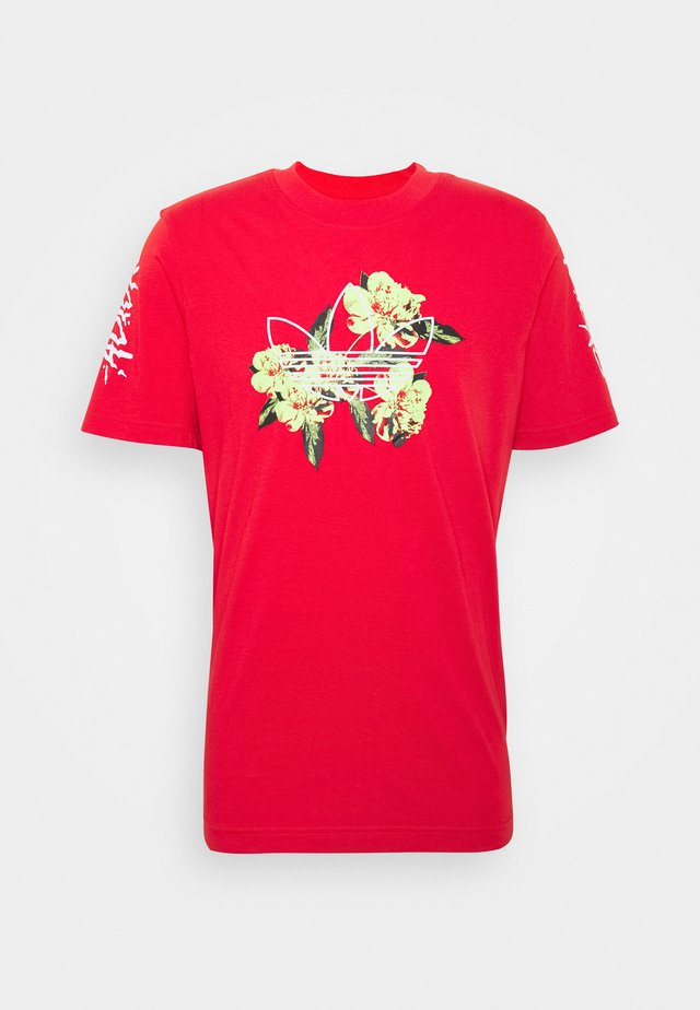 TEE - T-shirt con stampa - lusred