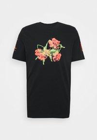 adidas Originals - TEE - Camiseta estampada - black - 4