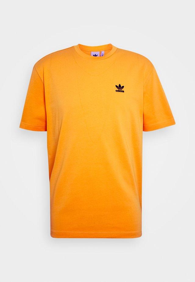 TREFOIL TEE - Print T-shirt - actgol/black