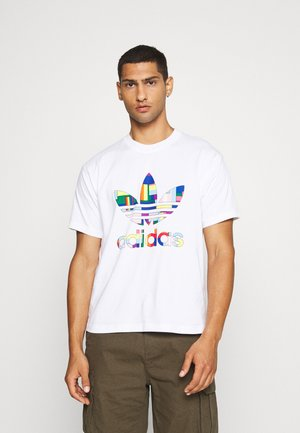 FLAG FILL TEE - T-shirt con stampa - white/multi-coloured