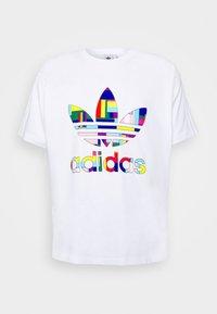 adidas Originals - FLAG FILL TEE - Print T-shirt - white/multi-coloured - 5