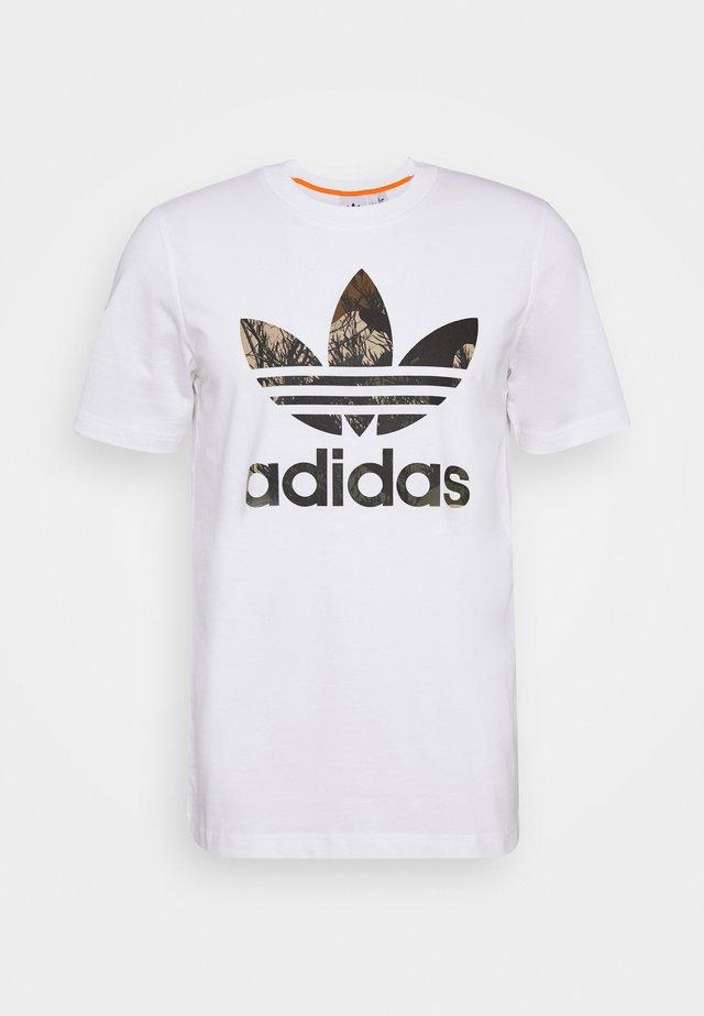 CAMO TEE - T-shirt con stampa - white
