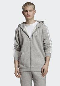 adidas Originals - ADICOLOR 3 STRIPES HOODIE - Felpa aperta - grey - 0