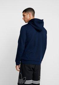 adidas Originals - ADICOLOR TREFOIL HOODIE - Bluza z kapturem - collegiate navy/white - 2