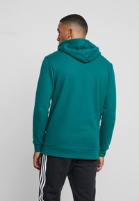 adidas Originals - ADICOLOR TREFOIL HOODIE - Bluza z kapturem - noble green/white - 2