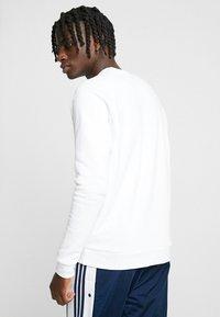 adidas Originals - ADICOLOR TREFOIL  - Bluza - white - 2