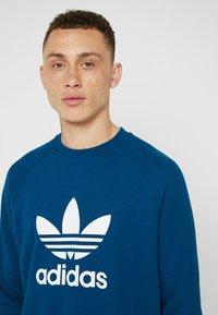 adidas Originals - ADICOLOR TREFOIL  - Sweatshirt - blue - 5