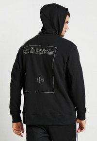 adidas Originals - HOODY - Hoodie met rits - black - 4