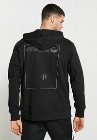 adidas Originals - HOODY - Hoodie met rits - black - 2