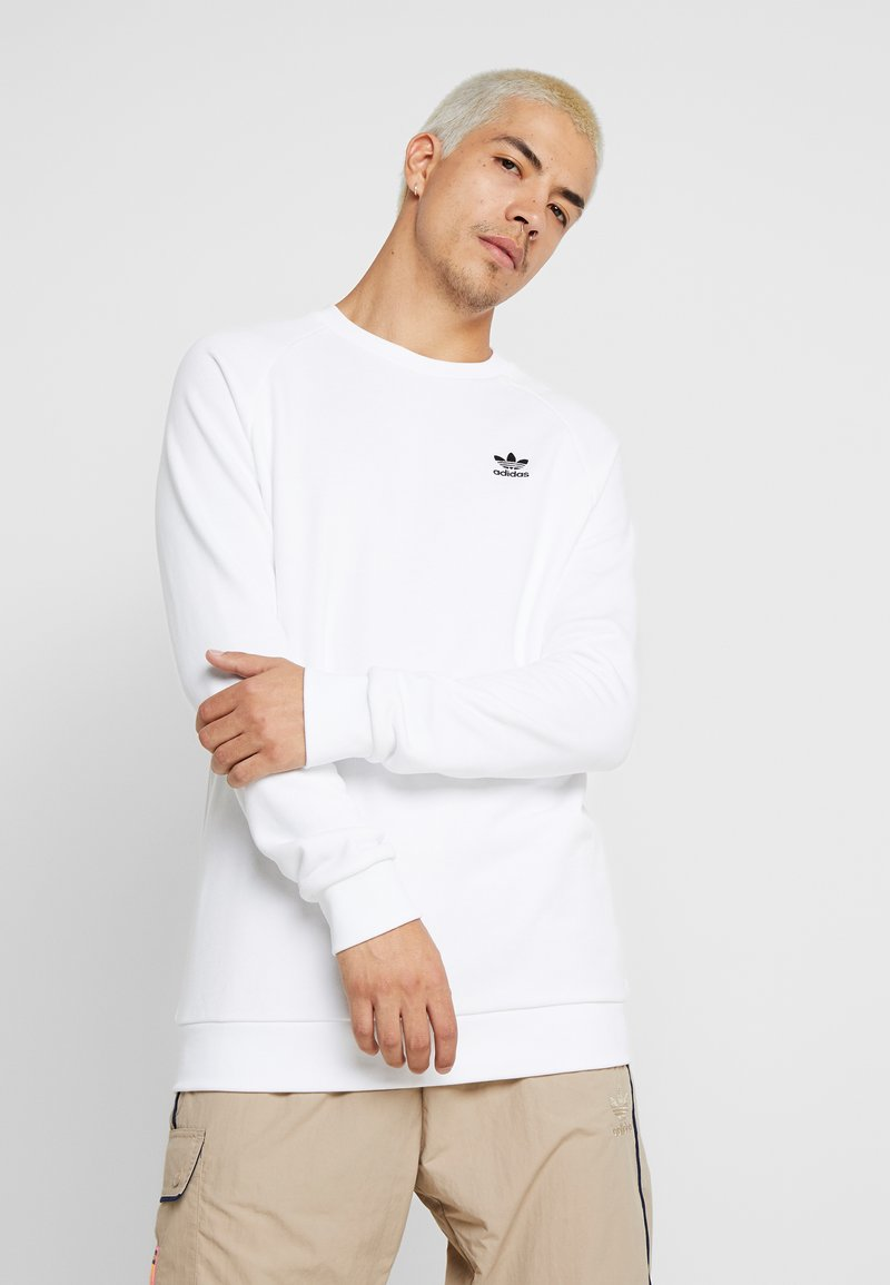 adidas Originals - ESSENTIAL TREFOIL PULLOVER - Sweatshirt - white/black
