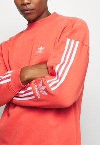 adidas Originals - ADICOLOR TECH PULLOVER - Felpa - trasca - 5