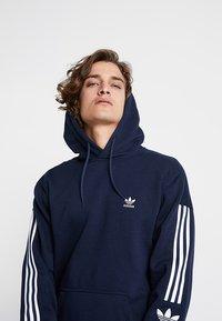adidas Originals - ADICOLOR TECH HOODIE - Huppari - collegiate navy - 4