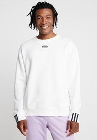 adidas Originals - REVEAL YOUR VOICE CREW - Sweatshirt - core white - 0